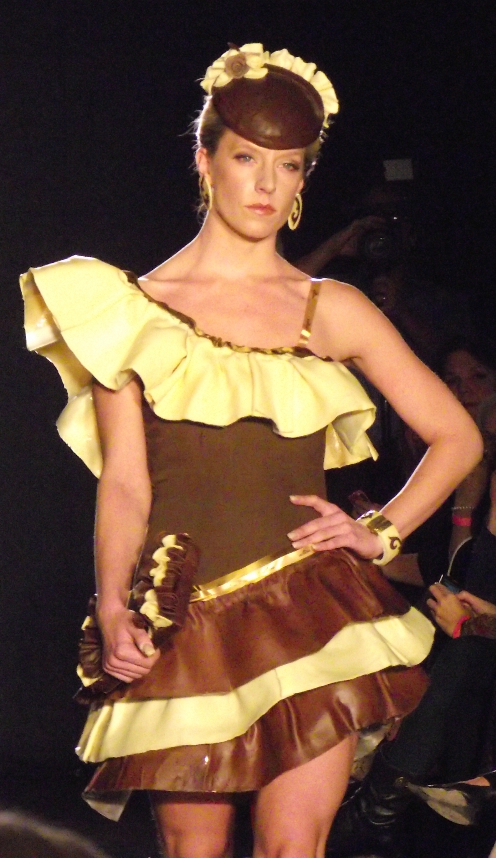 Press Pen: The Chocolate Fashion Show | de la Pen
